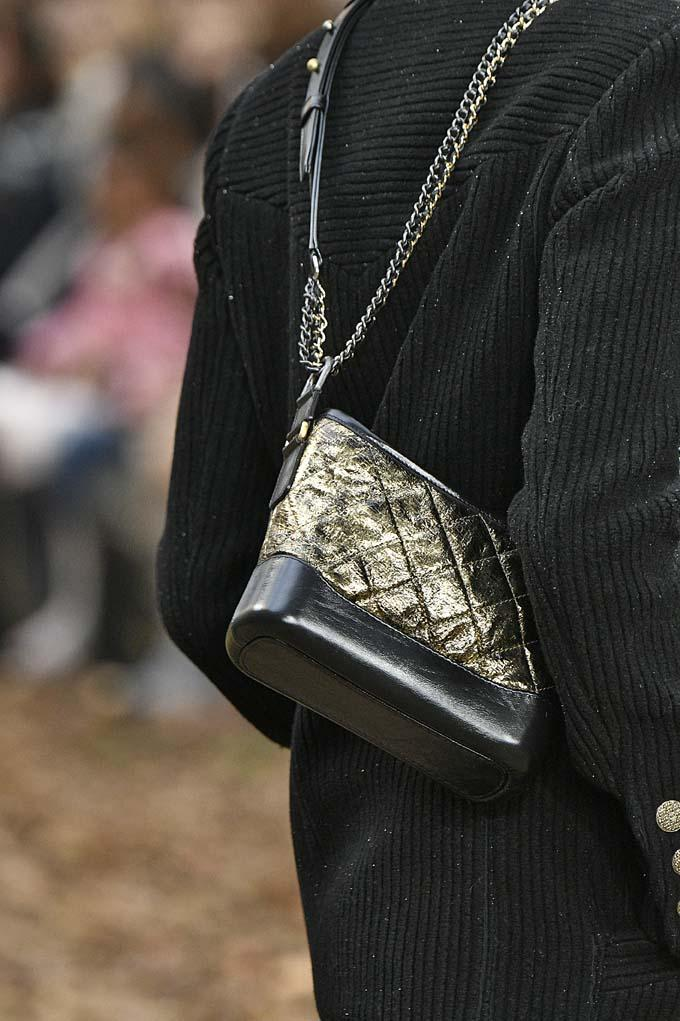 de439328ab7a See All the New Bags From Chanel s Fall 2018 Show