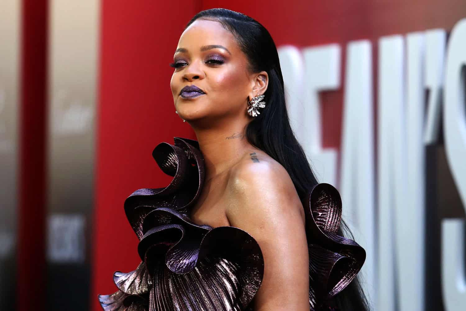 Rihanna, Twitter CEO donate $4.2M to combat quarantine-induced domestic violence