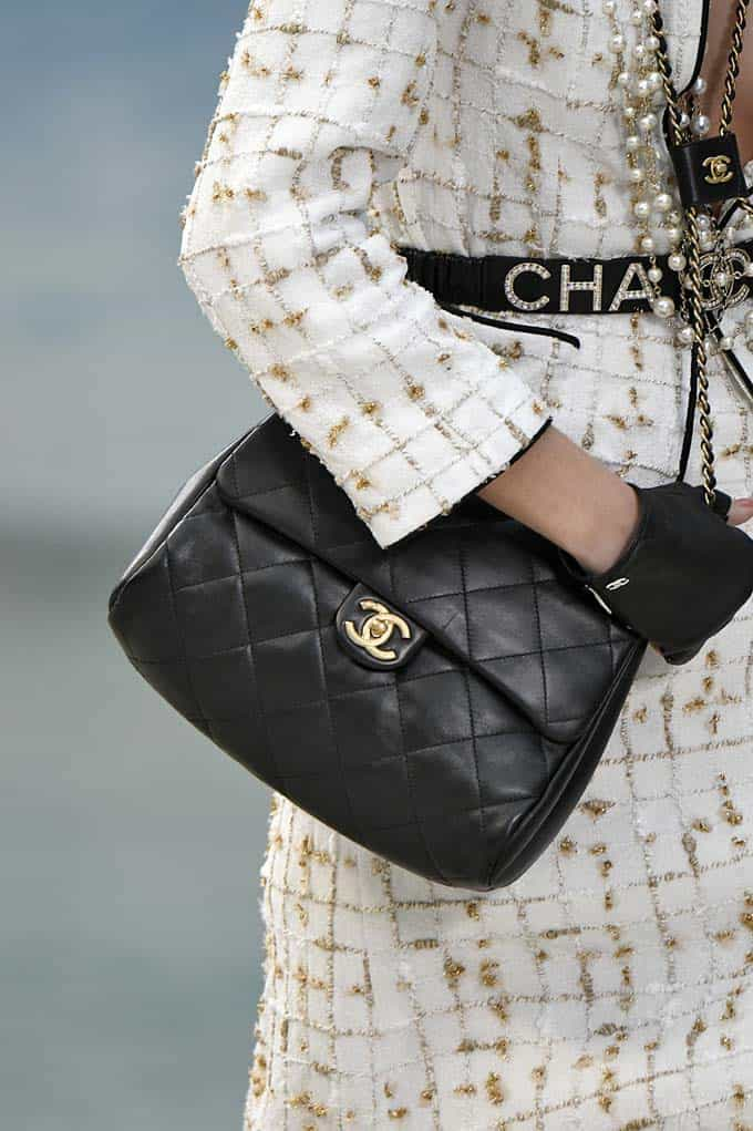 a371e0b3f9 39 Lust-Worthy Bags From Chanel's Beach-Themed Spring 2019 Show