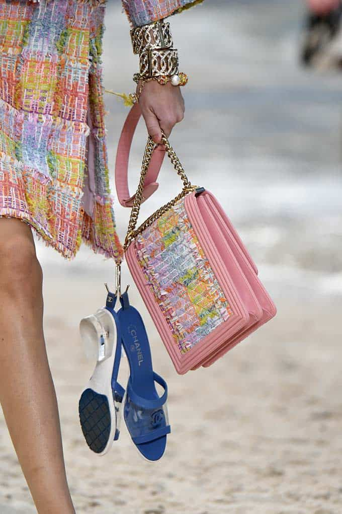 d5af13172acf1 39 Lust-Worthy Bags From Chanel's Beach-Themed Spring 2019 Show