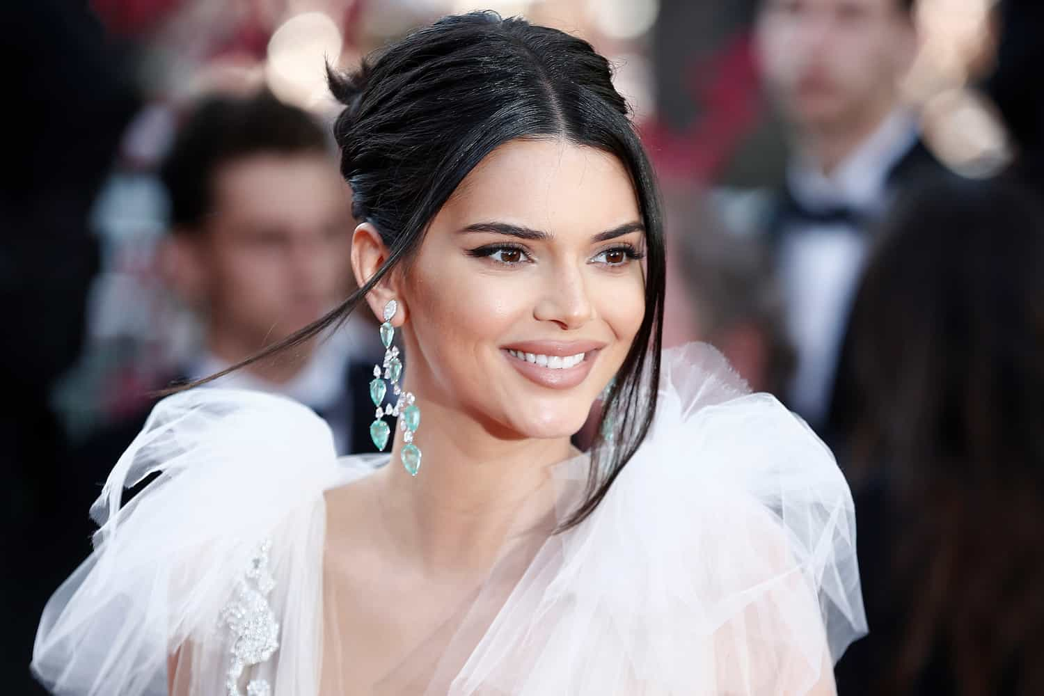 Kendall Jenner Claps Back After Alleged Stalker Incident!