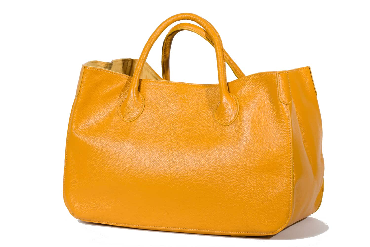 Editor s Pick  Beck Medium Classic Leather Bag — The Daily Front Row