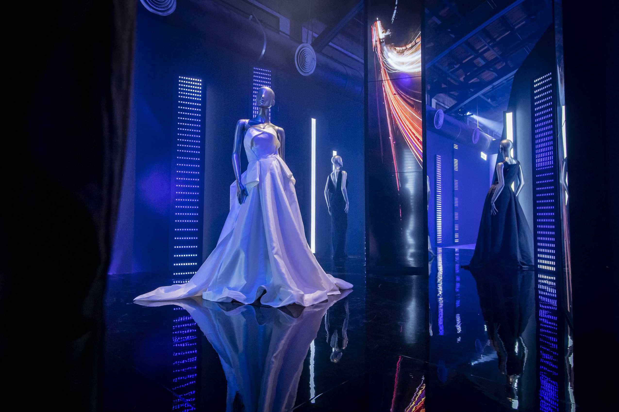 Taipei Fashion Week opening exhibit (courtesy)